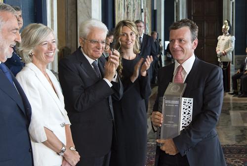 Podini ritira il premio con il presidente Mattarella